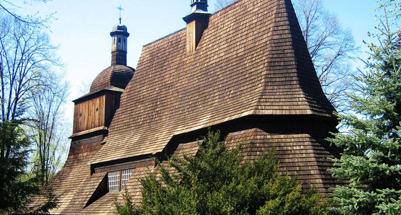 Chiesa in legno di sekowa polonia albertani for Case in legno in polonia