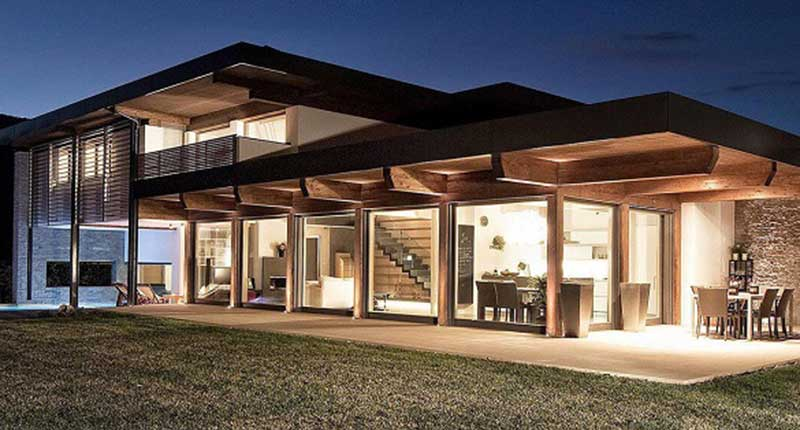 Rapidit e vivibilit per una prefabbricazione in legno di grande qualit albertani abitare - Casa in legno economica ...