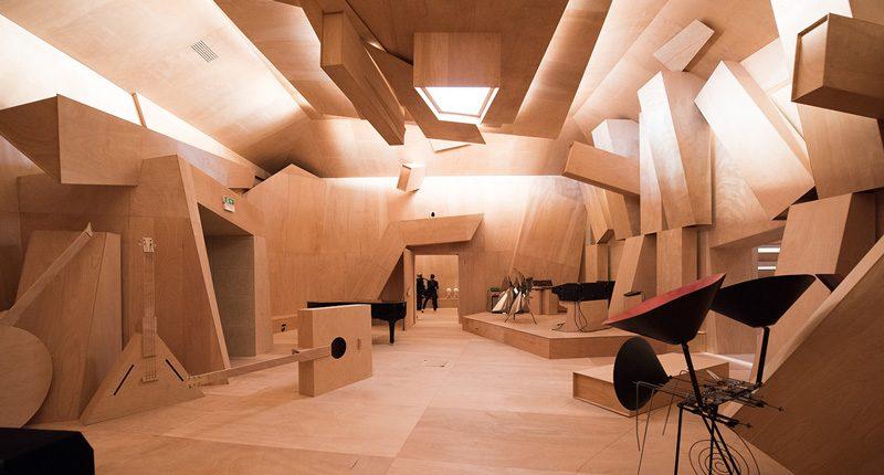 Xavier-Veilhan-Studio-Venezia-padiglione-della-Francia-alla-Biennale-d-Arte-2017-800x430